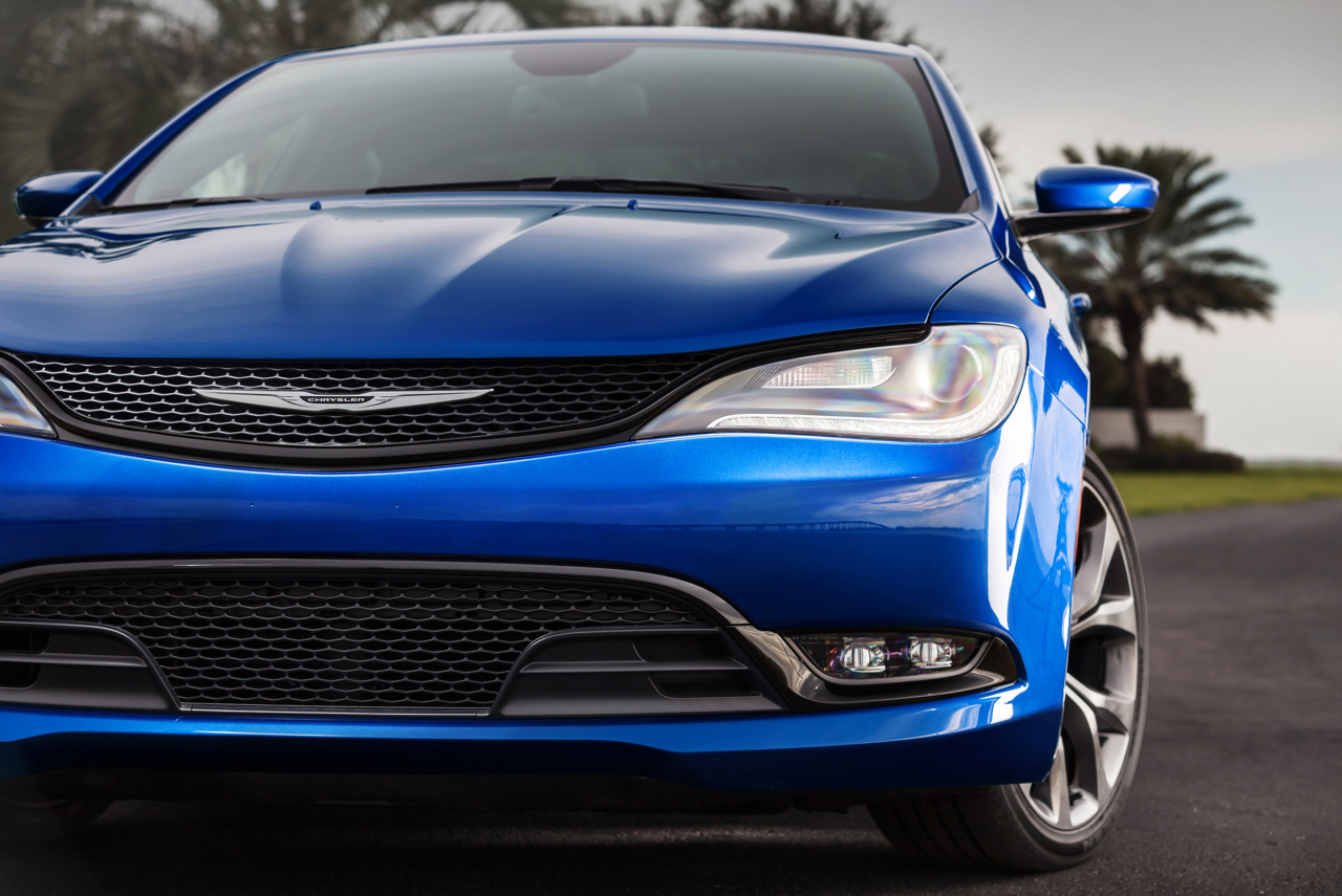 2015 Chrysler 200 - Best Entry-Level Luxury Car