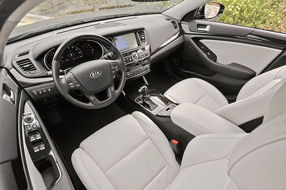 2015 Kia Cadenza - Interior Features