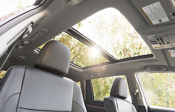 2015 Toyota Highlander - Sunroof