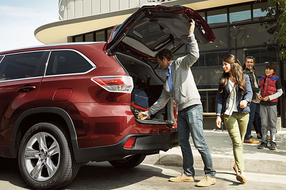 2015 Toyota Highlander - Best Family Car