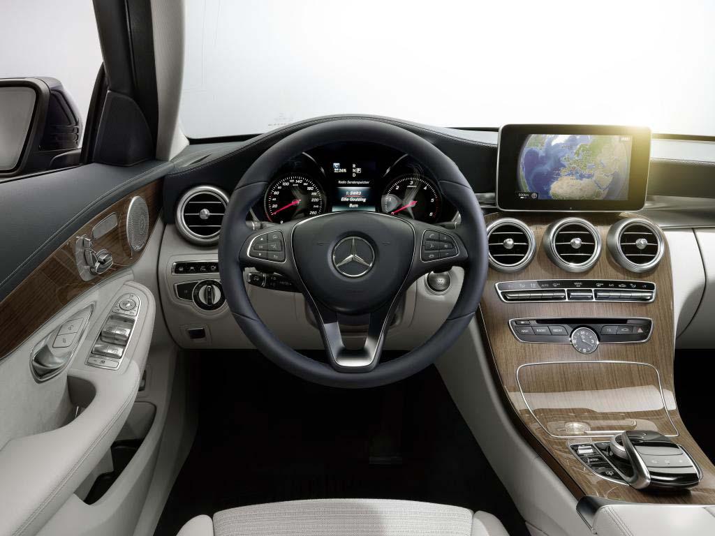 2015 Mercedes Benz C Class interior